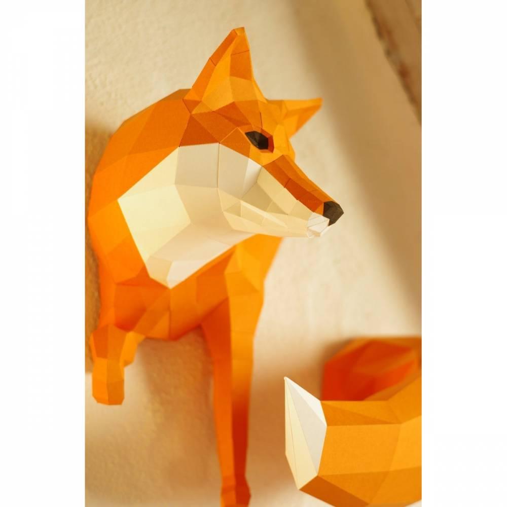 Kleiner Fuchs Bastelbogen, Papierskulptur DIY, Low Poly Art, Papiertiere, Papierskulptur in orange und weiss, geschnittene einzelteile DIY Bild 1